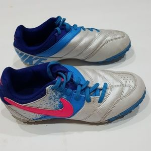Nike girls youth cleats size 1